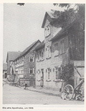 richard-huelsenbeck-apotheke-1915.jpg